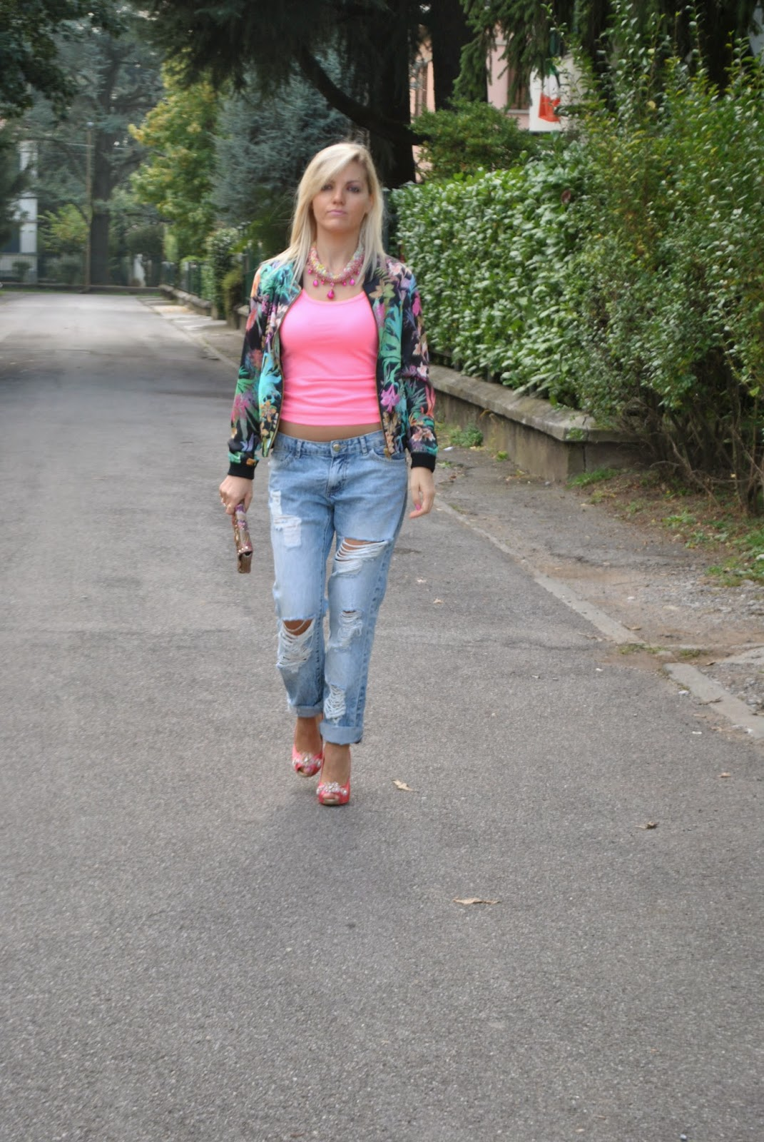 Color block by felym outfit ripped boyfriend jeans and - Pimkie boyfriend jeans ...