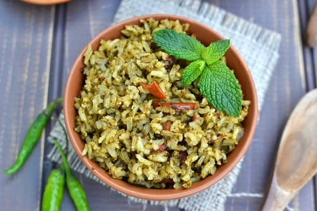 Brown Rice Green Pulao (Pilaf with Brown Rice & Mint)