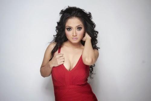 Biodata Dan Foto Hot : Siti Badriah