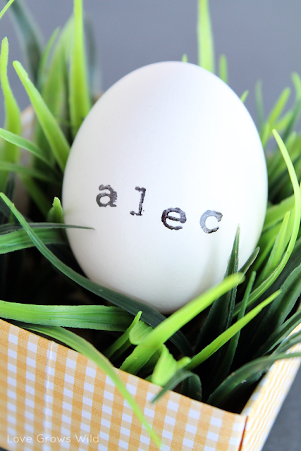 Stamped Egg Place Cards for Spring and Easter by Love Grows Wild www.lovegrowswild.com #easter #spring #decor