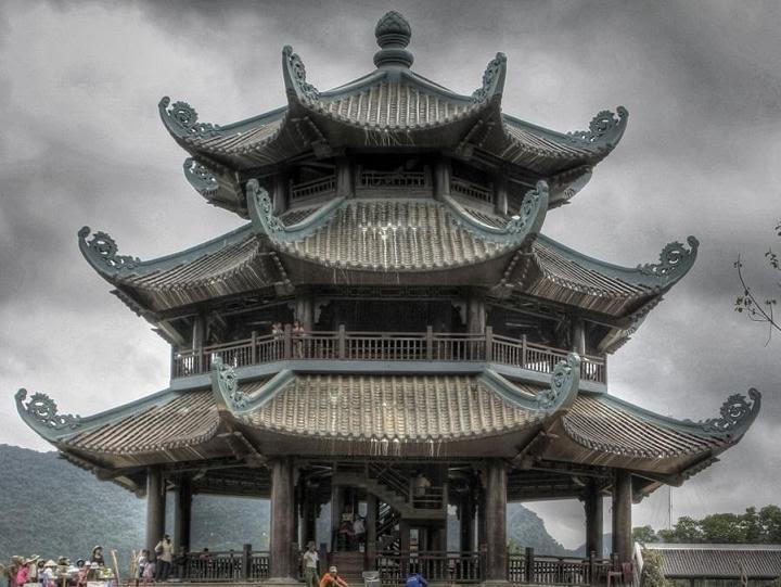 tháp chuông Chùa Bái Đính - Ninh Bình