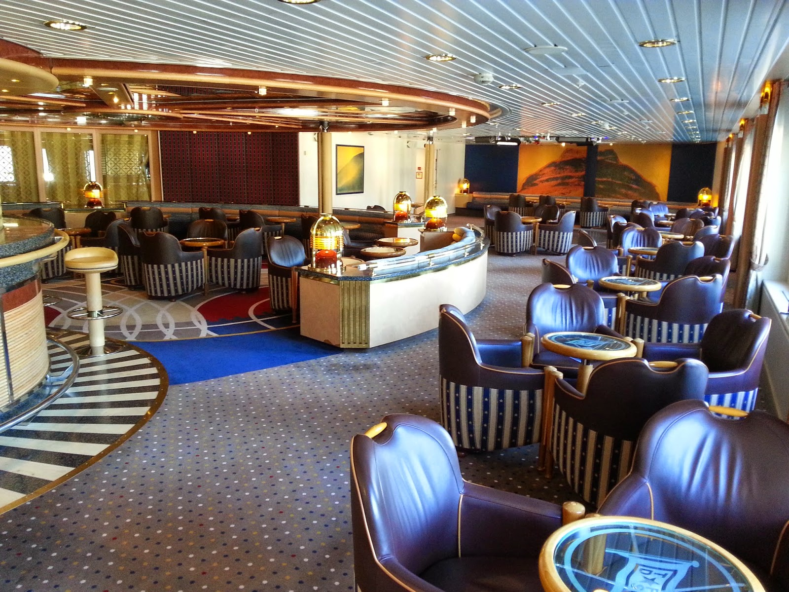 Hurtigruten MS Nordlys - Sirlund Bar