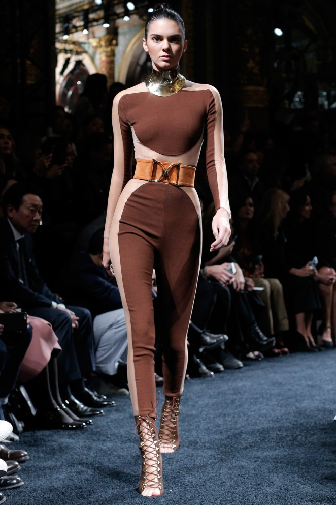 Kendall Jenner – Balmain SS 2016 Collection Paris Fashion Week