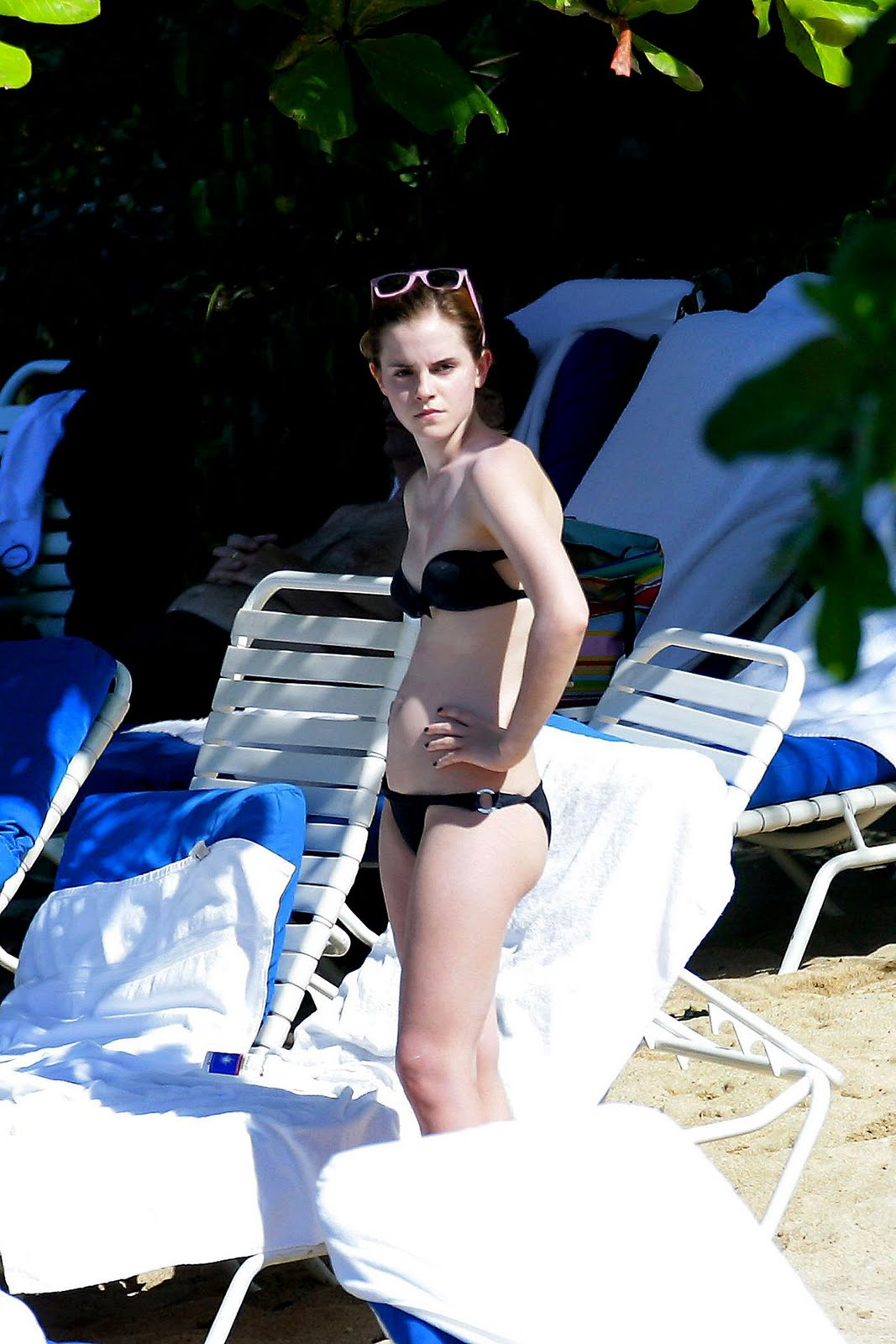 http://1.bp.blogspot.com/-1tKrsR9YIZI/TcP3A-werNI/AAAAAAAAAwk/FWk7PHXcpOE/s1600/emma_watson_bikini3.jpg