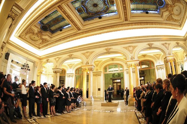 Inauguraci n de sofitel montevideo casino carrasco spa - Albaniles en montevideo ...