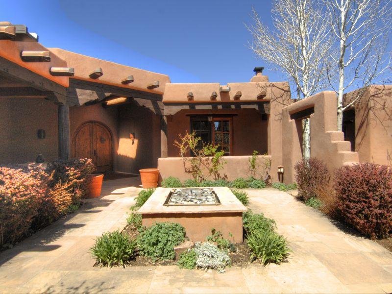 Estilo rustico patios estilo santa fe for Estilo toscano contemporaneo