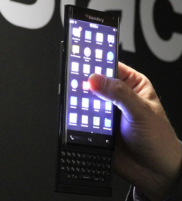 BlackBerry Curved Smartphone