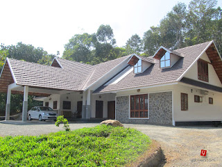Kumaly house kerala kerala home design for Kerala dream home photos