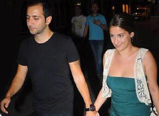 hazal-kaya-and-sarp-bozkurt-flirts-picture