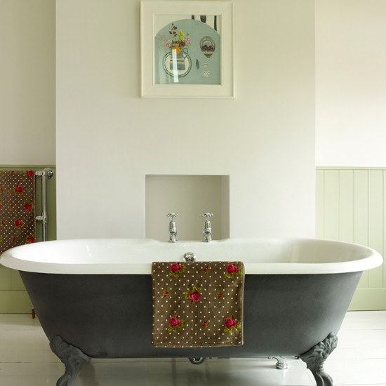 Shabbypassion country chic design ideas for your bathrooms for Ideal home bathroom ideas