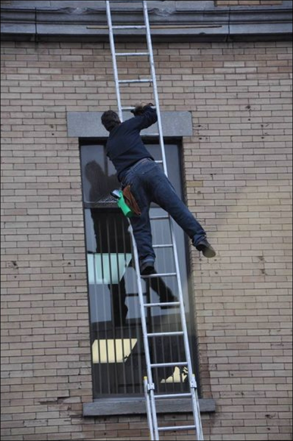 Robinson-Solutions Professional Window Cleaning: Montreal Newspaper ...