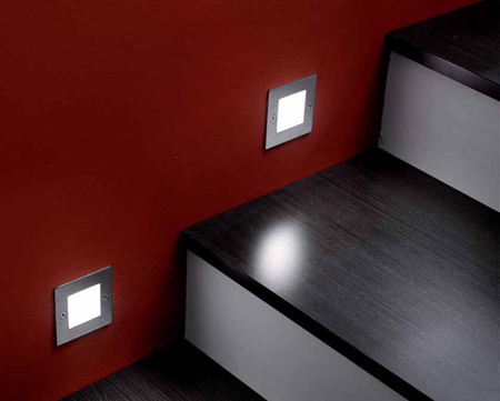 The STEPQ Square 0.8W LED recessed light for indoor / outdoor