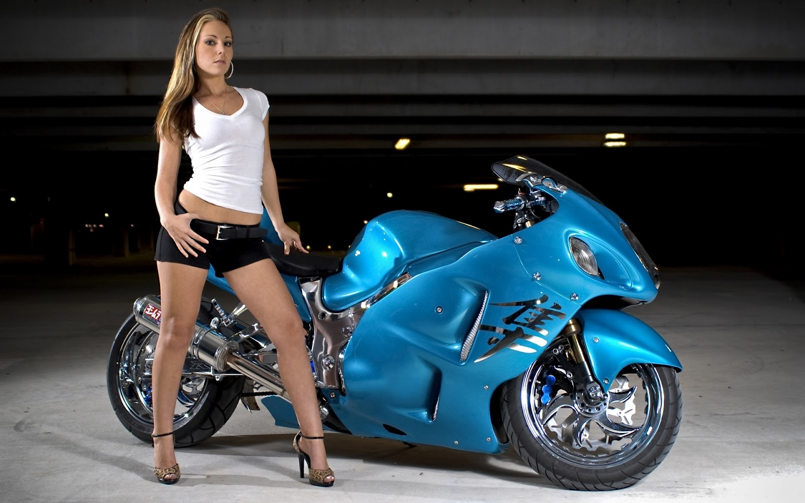 Auto zone for speed lovers all about suzuki motorcycles sports cars fastest cars sports