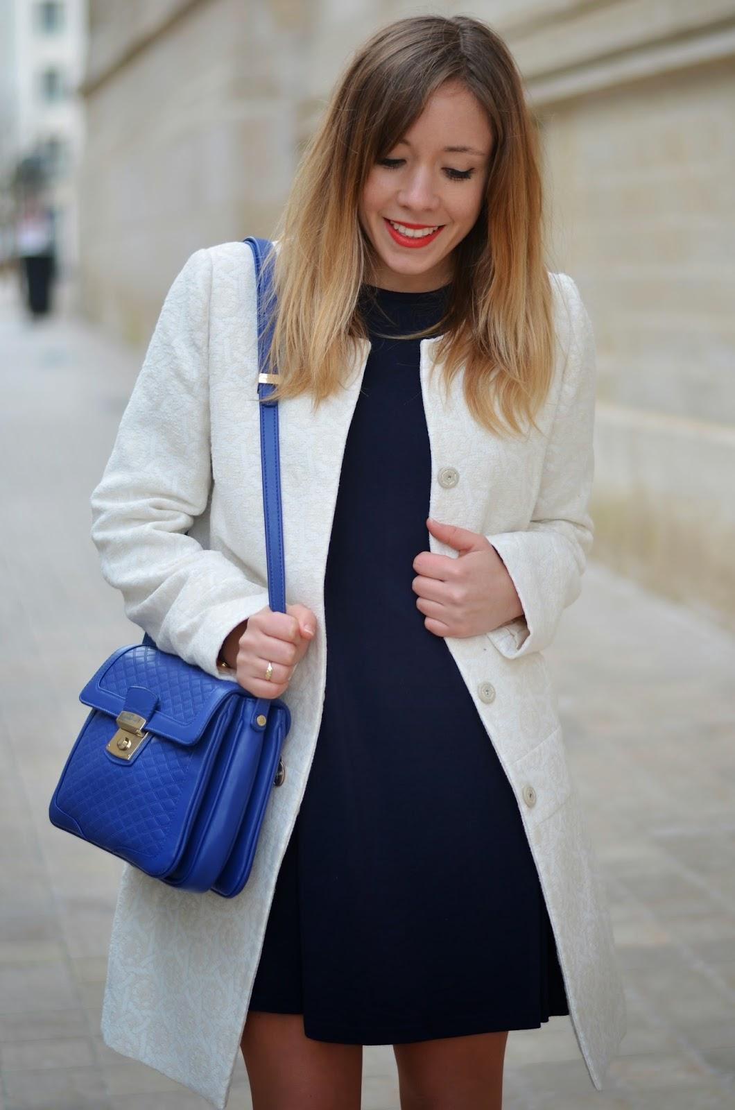 Fabuleux Robe bleu marine et veste blanche | La mode des robes de France GU53