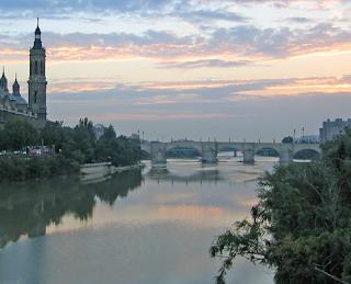 Río Ebro que mide 930 kilómetros.