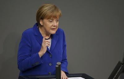 Μέρκελ: «Όχι σε νέο πρόγραμμα πριν το δημοψήφισμα»