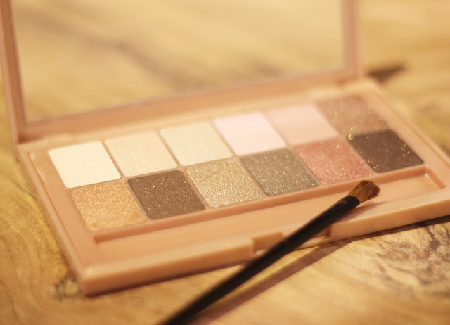 photo-maybelline-novedades-2015-paleta-sombras-the_blushed_nudes