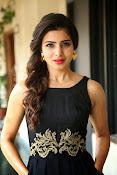 Samantha glam pics in black-thumbnail-1