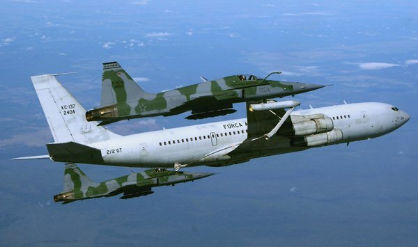 FAB compra 02 novas aeronaves abastecedoras Kc-137_tc-sergio