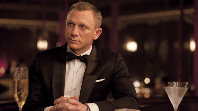 Daniel Craig as James Bond in Skyfall movieloversreviews.blogspot.com
