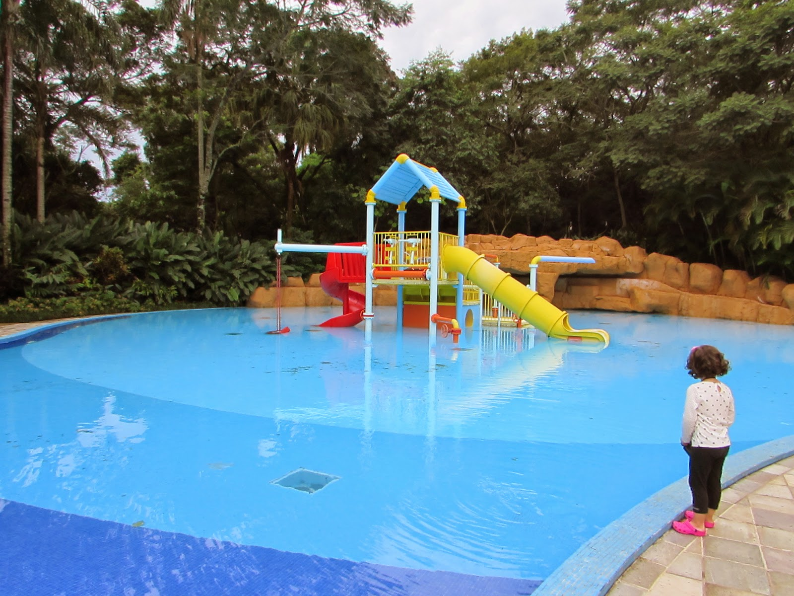 Hotel review bourbon cataratas em foz do igua u mezzo for Cataratas para piscinas