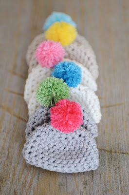 free crochet pattern pom pom easter egg cozy