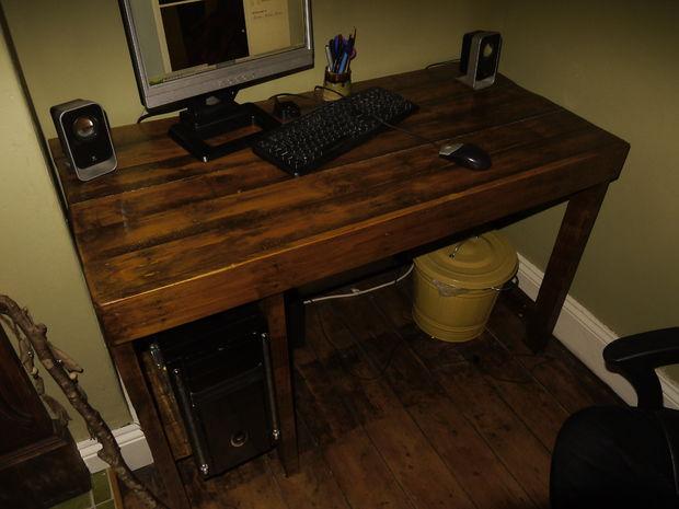 Escritorio para pc clasico de madera - Como hacer una mesa de ordenador ...