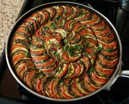Saulimar aqu el popular plato ratatouille una receta for Verduras tipicas de francia