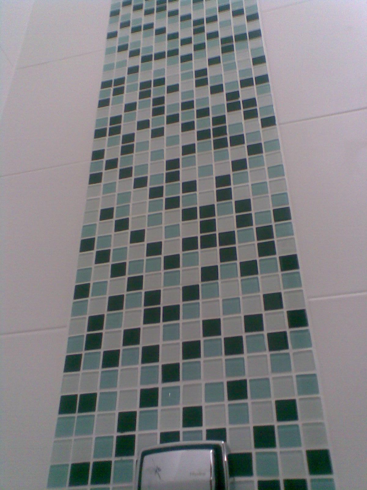 amadeirado e para os banheiros detalhes com pastilhas de vidro  #223733 1200x1600 Banheiro Com Pastilhas Vermelhas