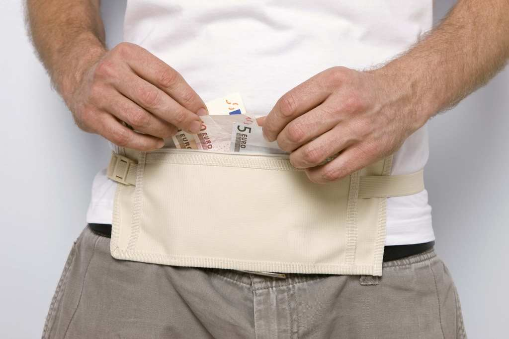 Viajero turismo c mo llevar dinero en tus viajes de forma segura - Guardar dinero en casa de forma segura ...