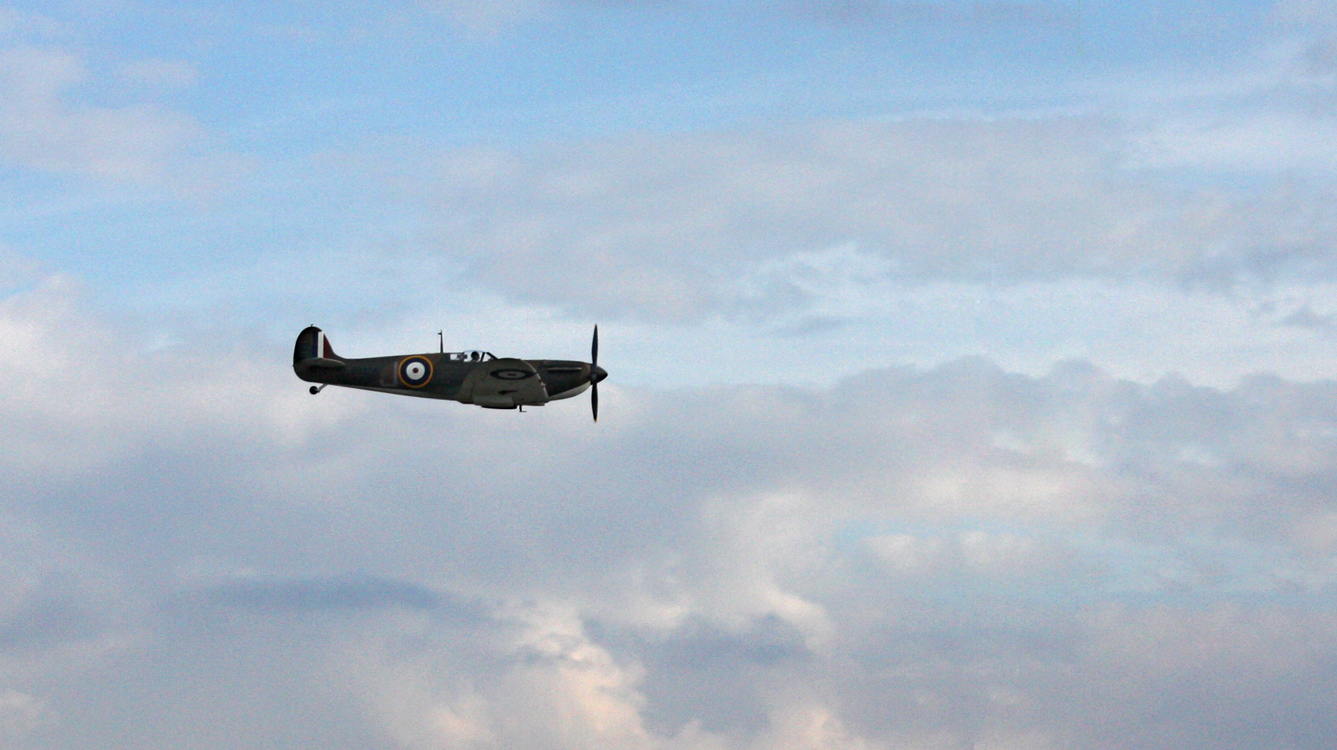 Duxford Airshow September 14th 2014 - Duxford based Spitfire FMK.IA P9374