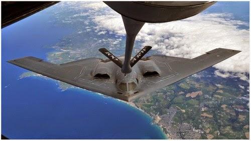 Jom Kita Lihat Peswat B 2 Spirit pesawat halimunan Isi Minyak Diudara