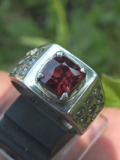 orangy red zircon