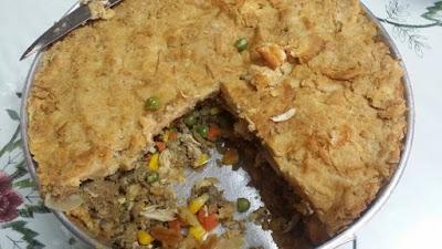 pie biskut daging sedia untuk dimakan