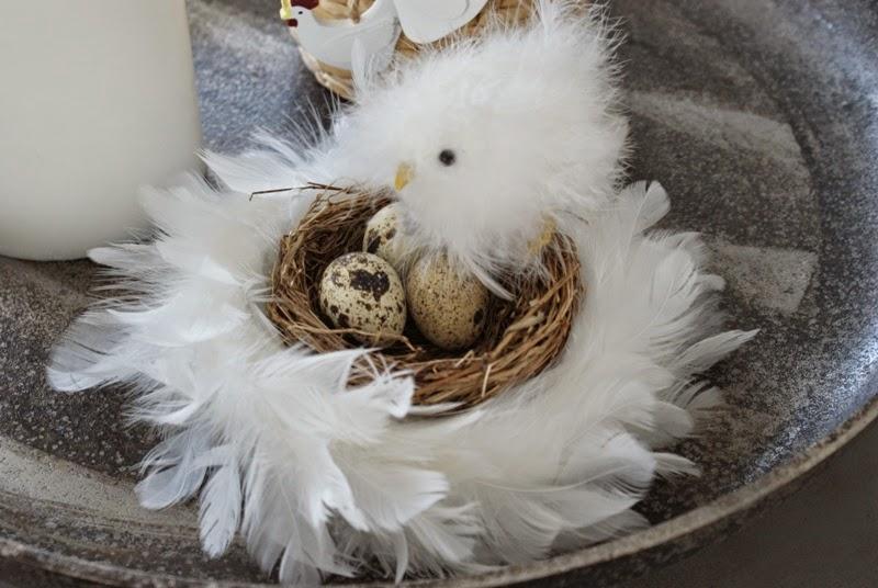 pääsiäinen, höyhenkranssi, pääsiäismuna, pääsiäiskoristelu, askartelu