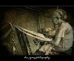 batik banyak dilakukan pada masa-masa kerajaan Mataram, kemudian pada