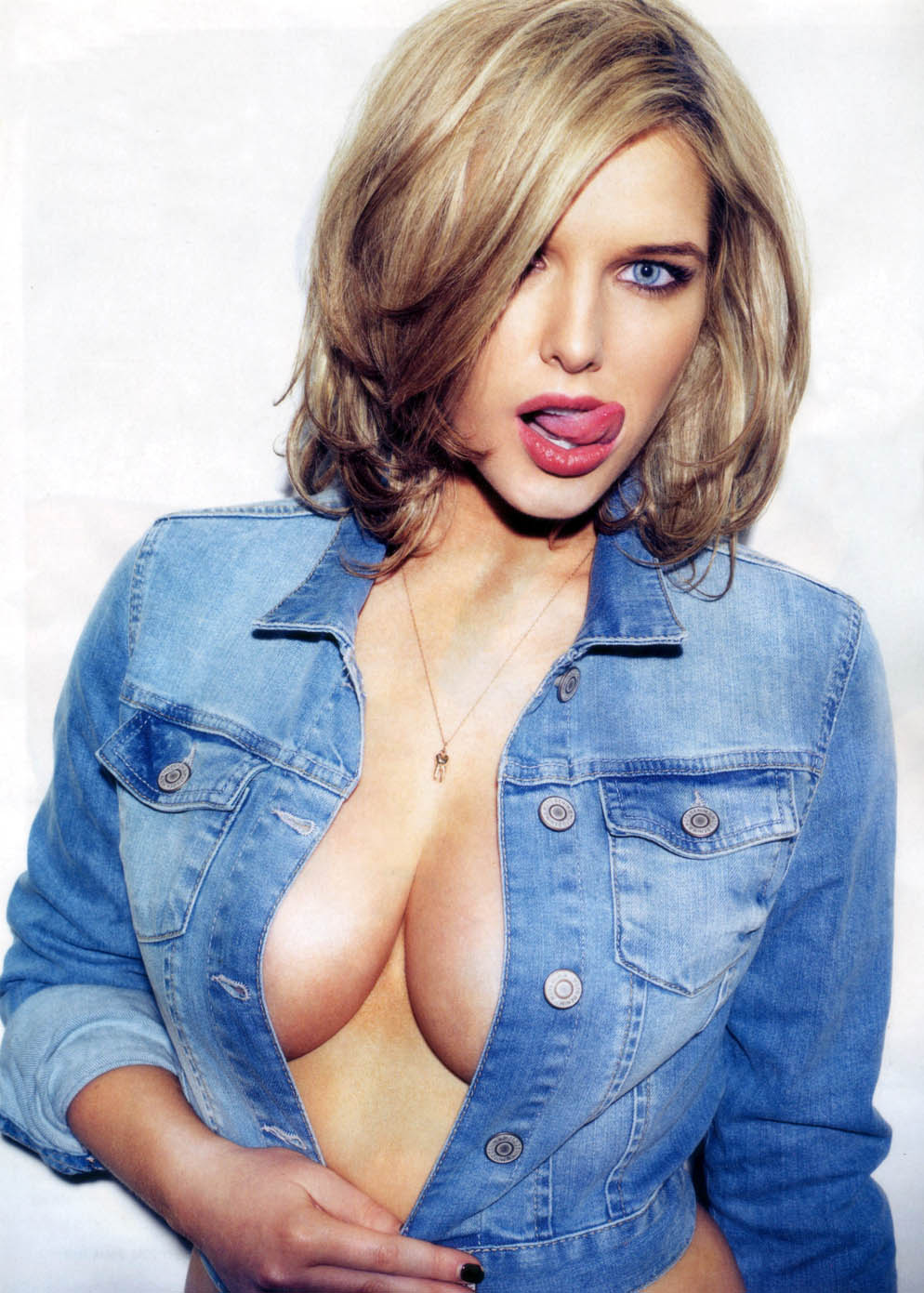 Cum in sexy boobs