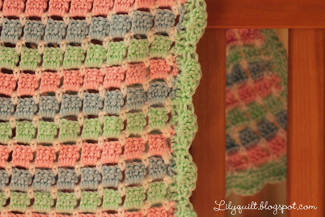Crochet Quilt Stitch : Lilyquilt: Crochet Block Stitch Baby Blanket