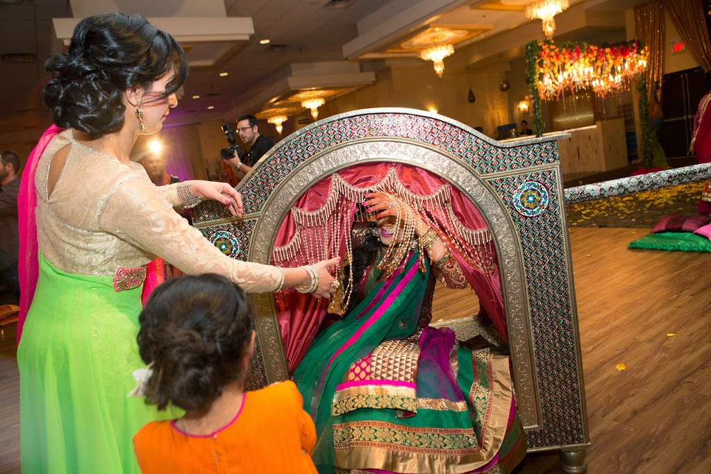 indian wedding, mehendi, carriage