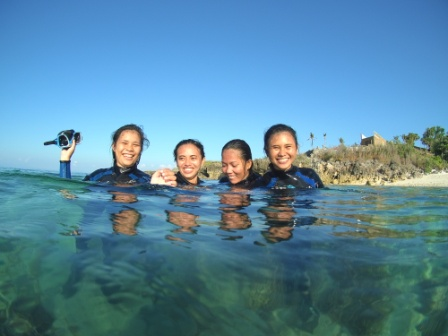Happy PADI Discover scuba diving participants, Malapascua Exotic Island Dive resort