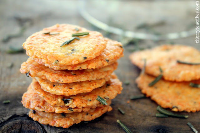 rosemary parmesan crackers recipe from cherryteacakes.com