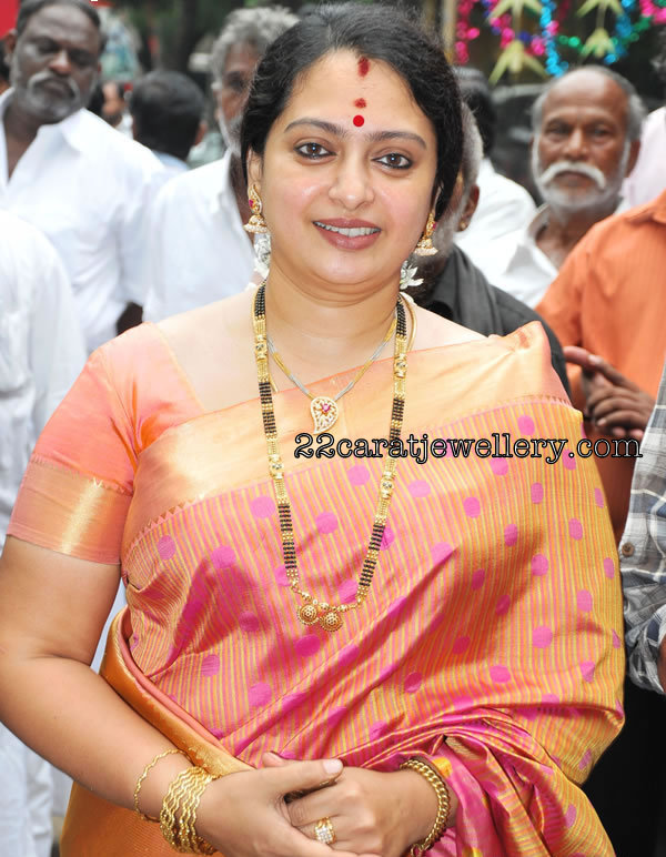 Tamil Actress Sita Mangla Sutra Black Beads Longchain Jewellery