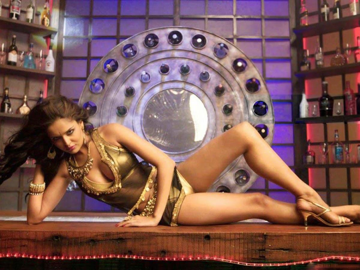 Nathalia Kaur hot pics