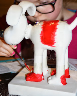 Day-2-daughter-painting-Gromit-365
