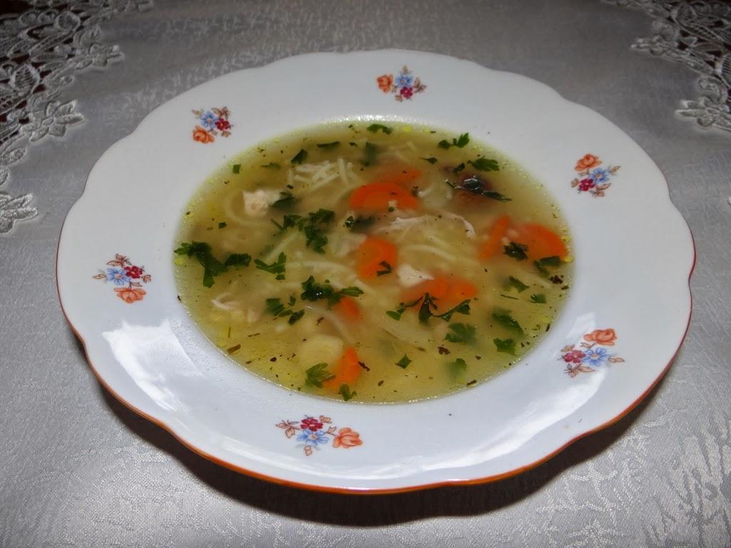 Zupa z kaszą jaglaną i makaronem
