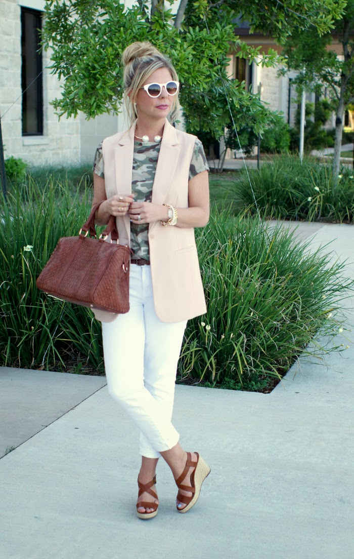 outfits with white denim