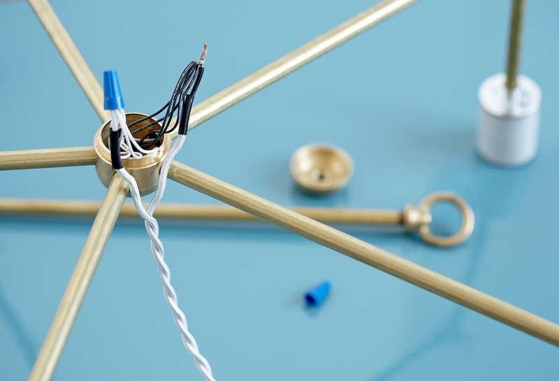 Angesagter Messing-Kronleuchter zum Selbermachen - industrielles Design im Handumdrehen