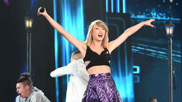 Taylor Swift realiza concierto en Australia con 76 mil espectadores.