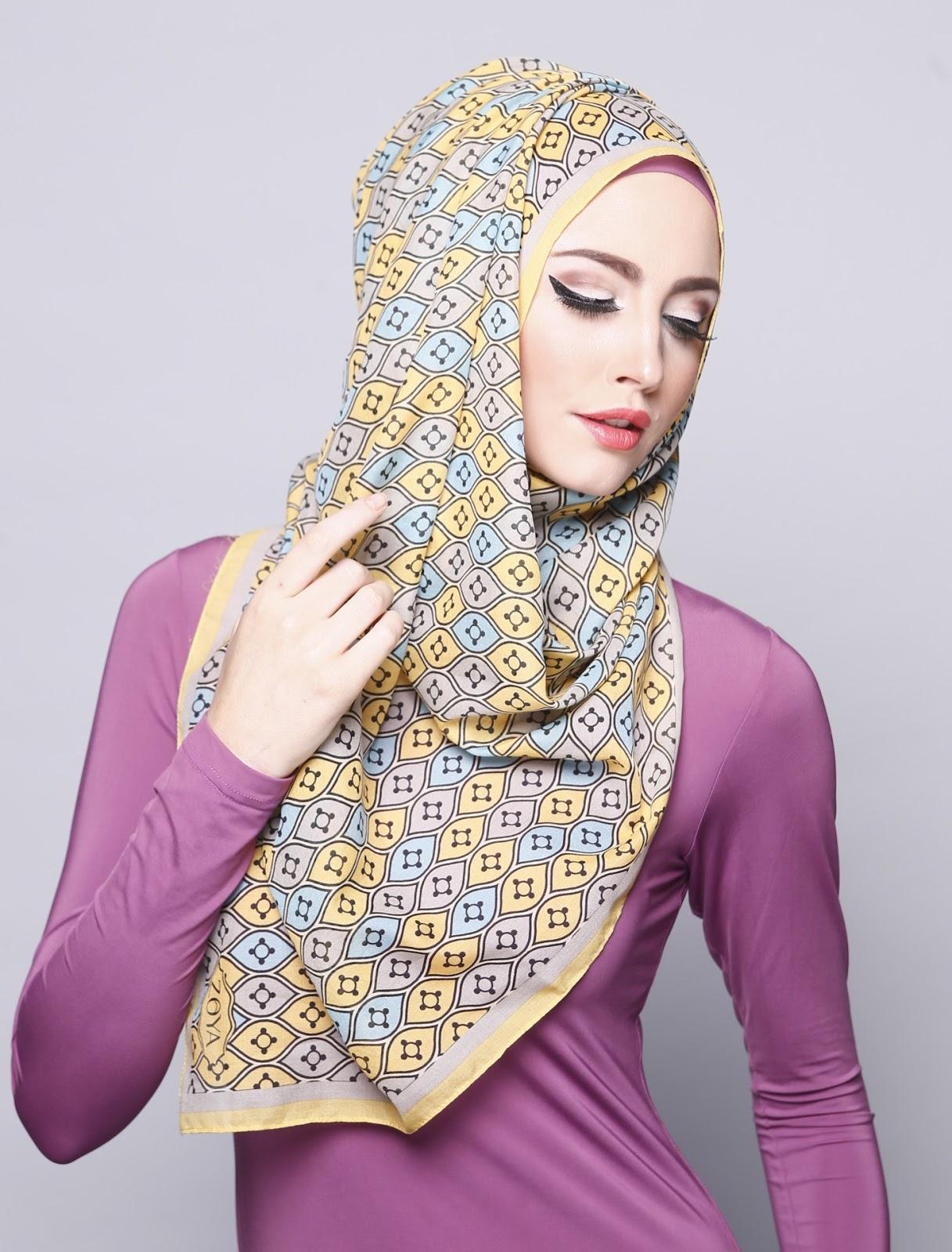 Model Tutorial Hijab Zoya Praktis Segi Empat Untuk Lebaran