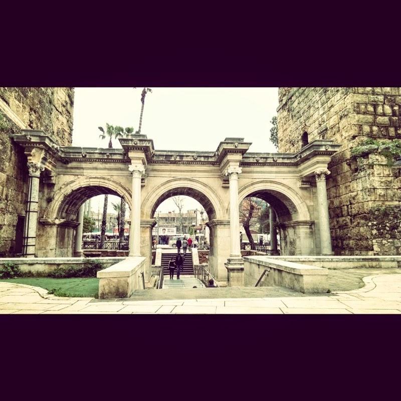 Antalya Hadrianus kapısı